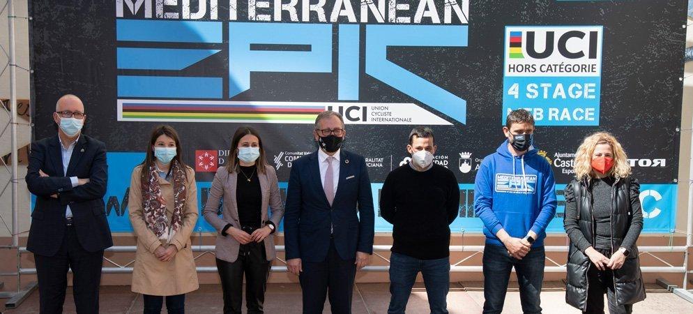 Diputación celebra la llegada de 500 ciclistas a la provincia