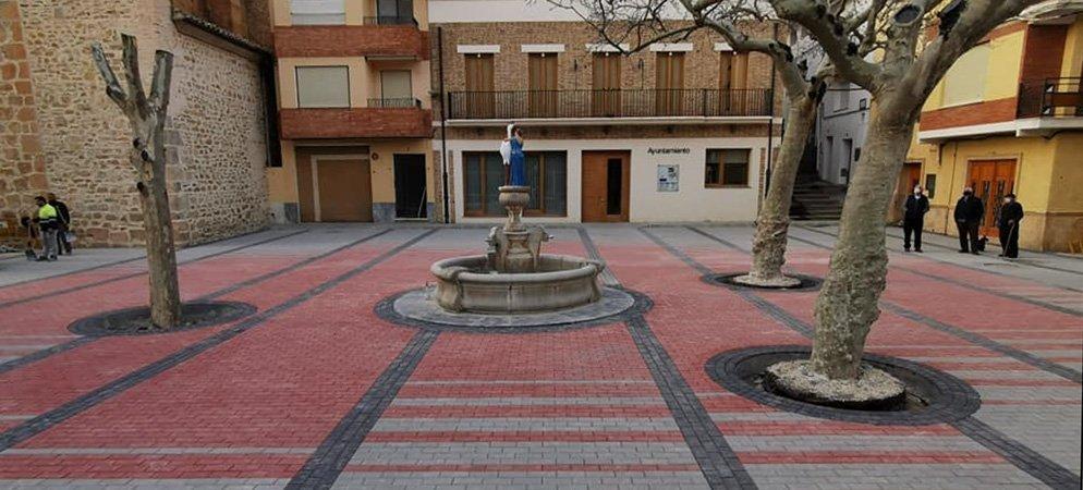 Gaibiel adoquina y moderniza la Plaza Mayor