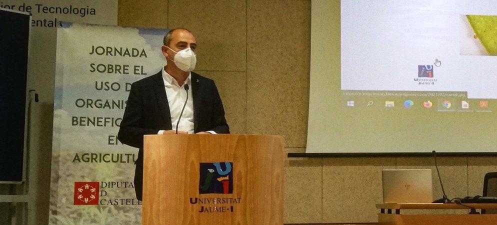 Santi Pérez aboga por alternativas biológicas para los plaguicidas