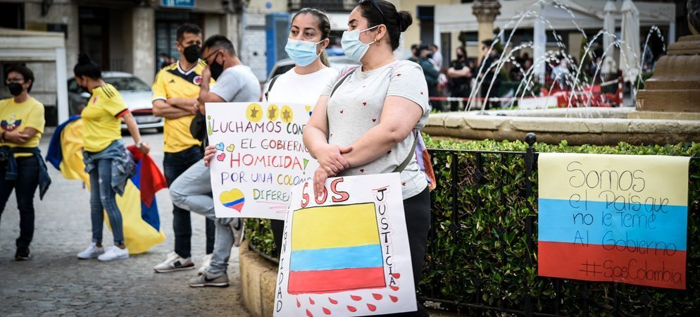 La comunidad colombiana protesta en Segorbe contra la represión de su país