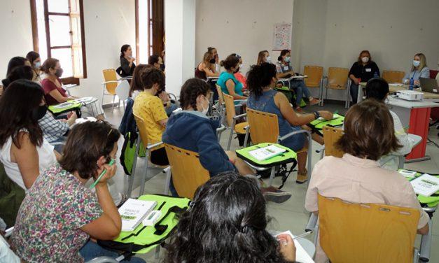 El palacete San Antón sirve de marco a un curso sobre mujeres