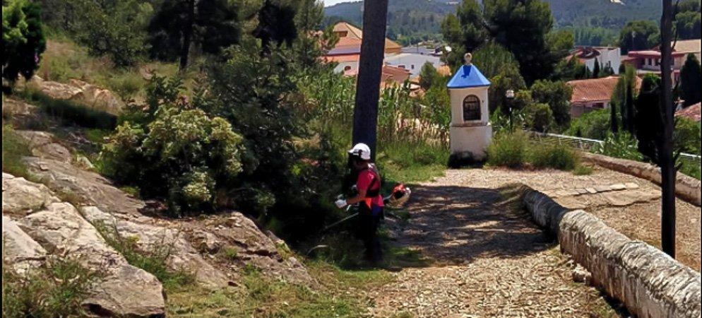 Sot de Ferrer recoge unos 20 kilos de excrementos de los alrededores del Calvario