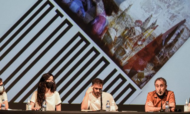 El fotolibro «El laberinto mágico» fue presentado ayer en el Teatro Serrano