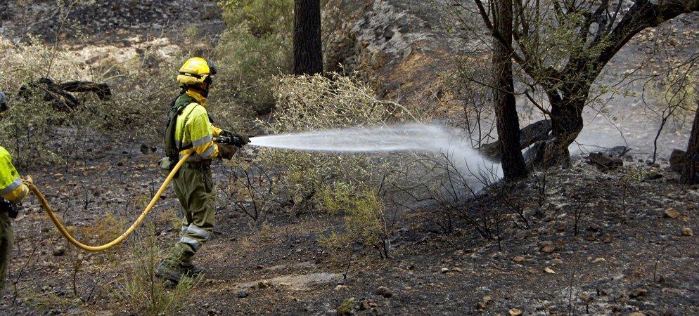 El incendio de Azuébar continúa activo 6 días después de declararse